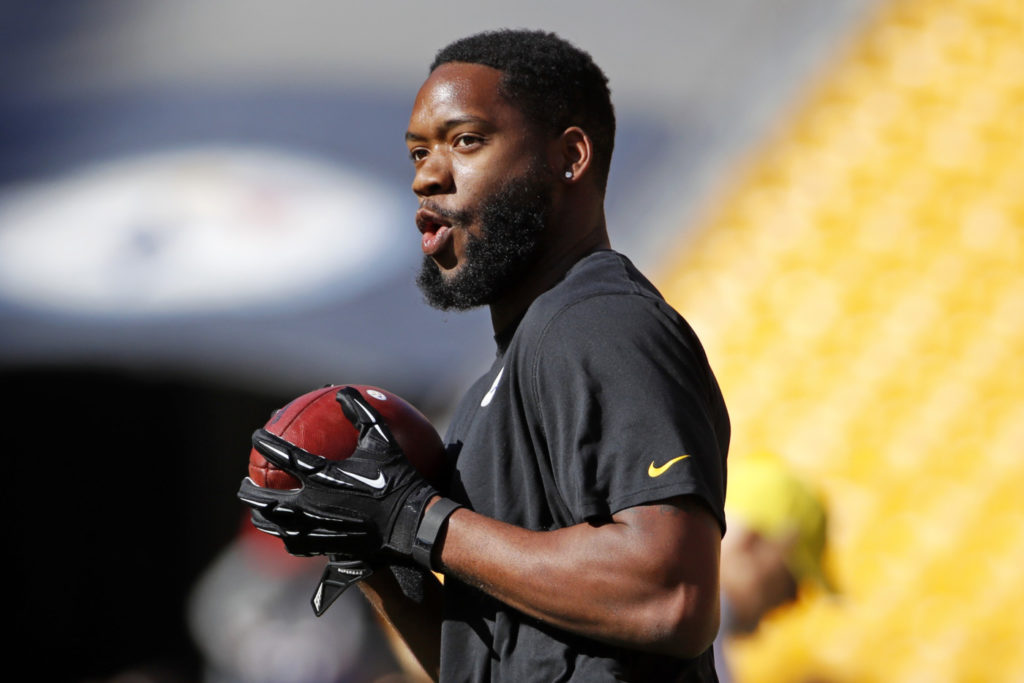 Pittsburgh Steelers tight end Ladarius Green (80) warms up before an NFL football game against the New England Patriots in Pittsburgh, Sunday, Oct. 23, 2016. (AP Photo/Gene J. Puskar)